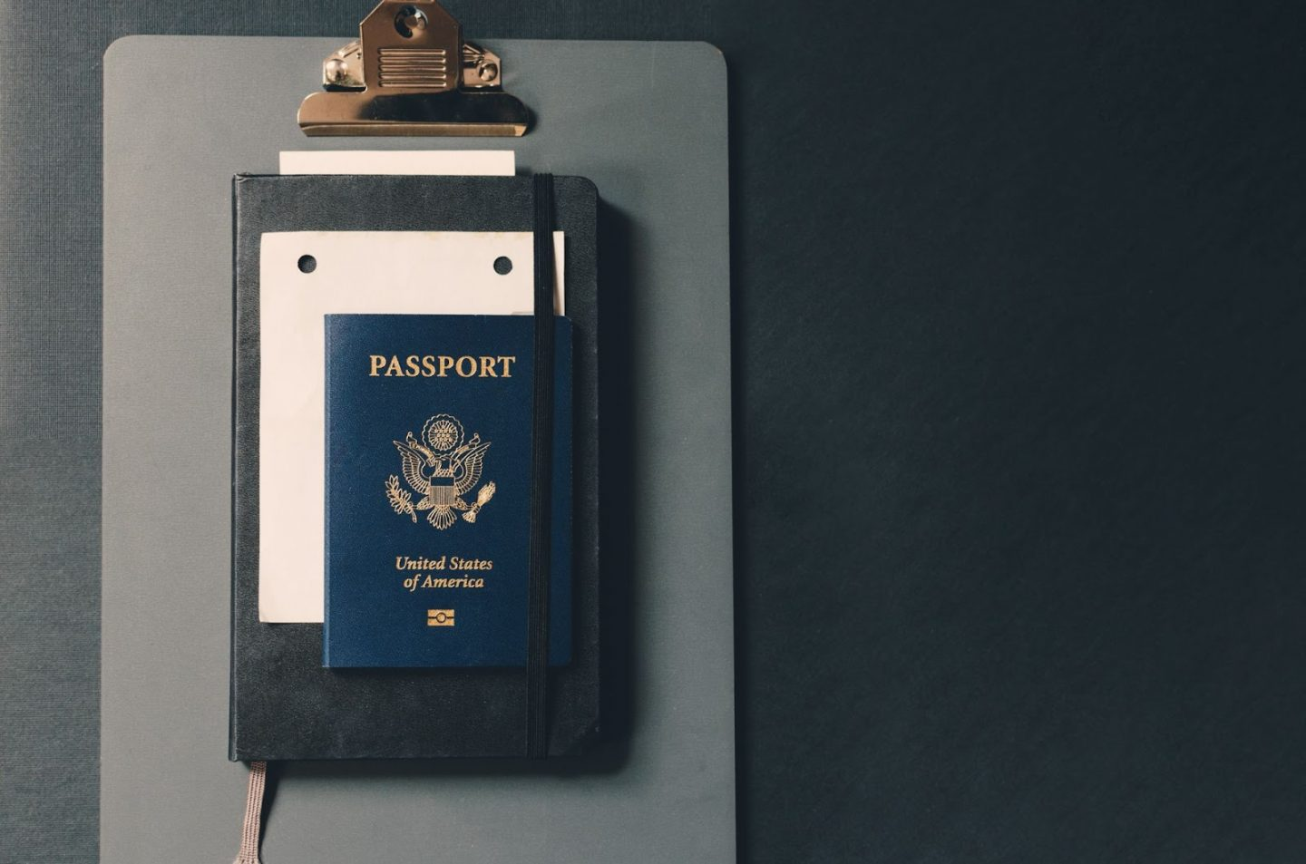 How To Choose The Right Immigration Lawyer For You